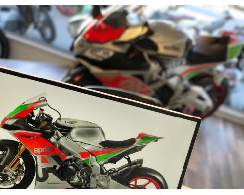 Köp din Aprilia motorcykel hos oss!